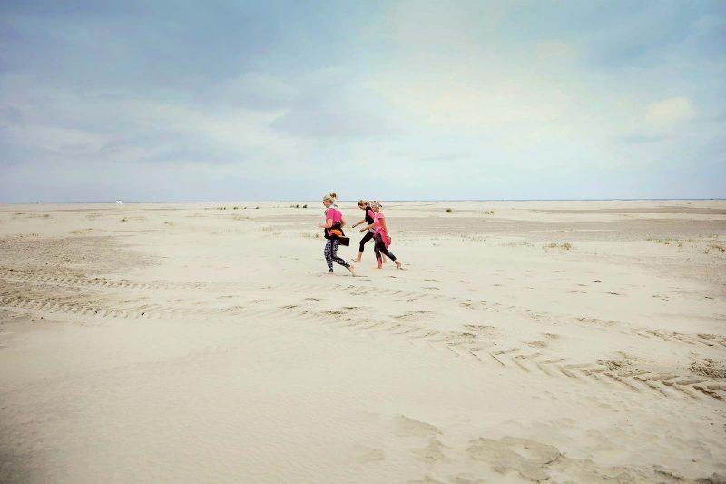 Der weite Strand von Borkum: ein gigantischer Tummelplatz für Strandläufer, Strandsegler, Powerkiter ...