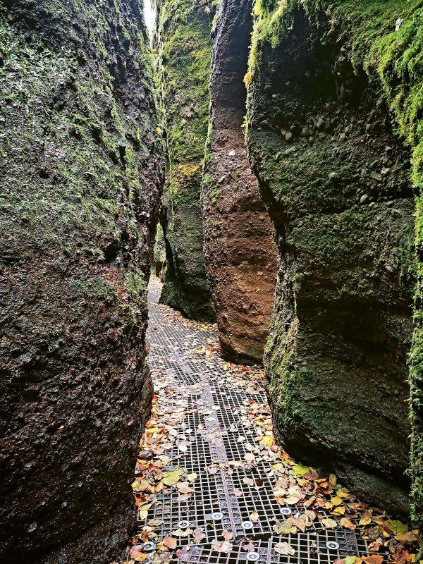Drachenschlucht: Die engste Stelle der 198m langen Klamm misst nur 70cm.