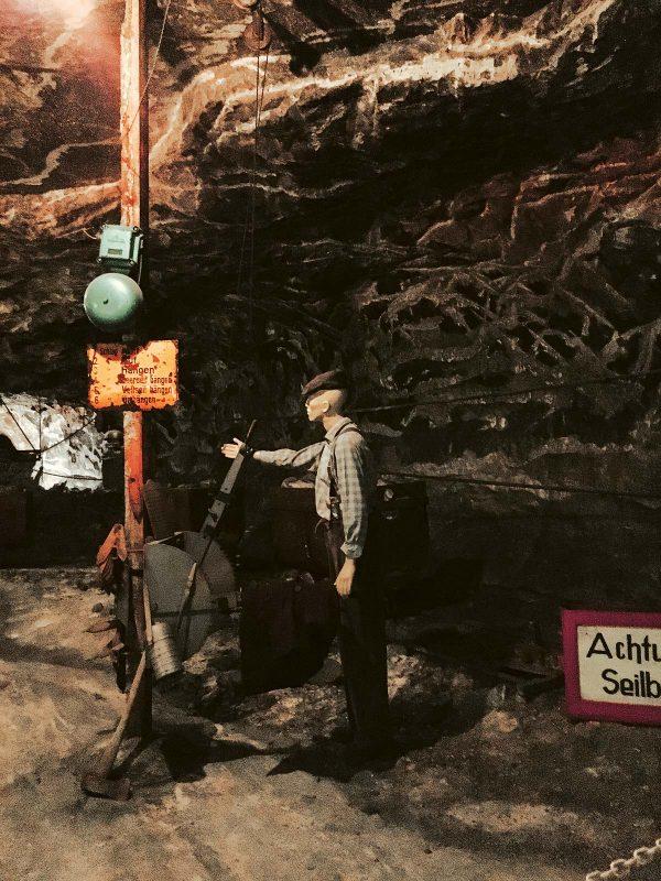 Wie sich ein Leben unter Tage anfühlt, vermittelt die Führung im Bergwerk Merkers.