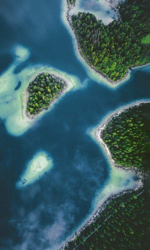 Seinen Namen verdankt der Eibsee den Eiben, die hier einmal in großer Zahl wuchsen.