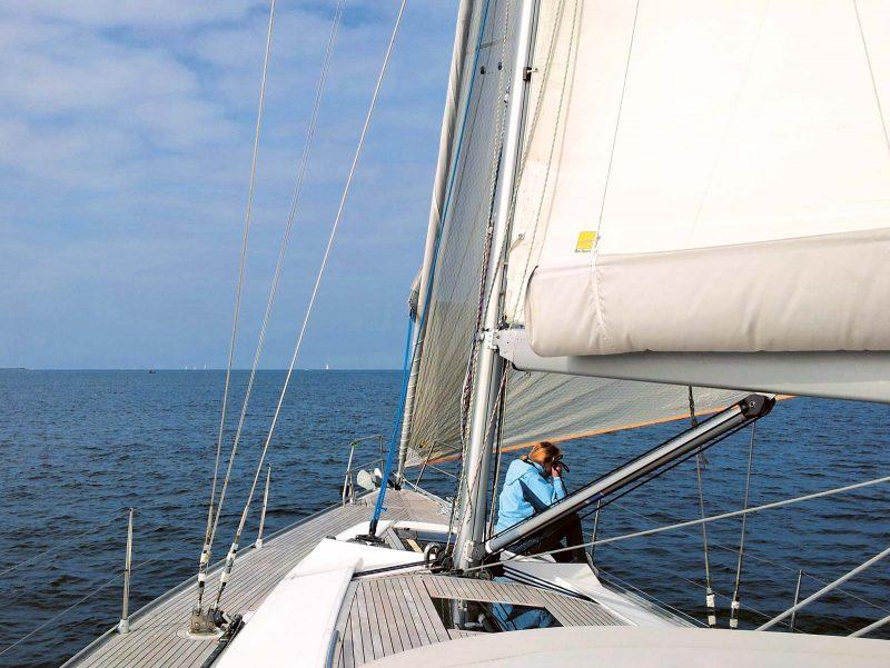 I am sailing … Einfach mal ausprobieren. Bestimmt macht Schnuppersegeln Lust auf Meer.